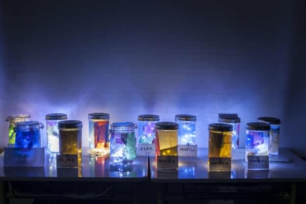 de jolies créations lumineuses réalisées par les enfants au cours d'un atelier