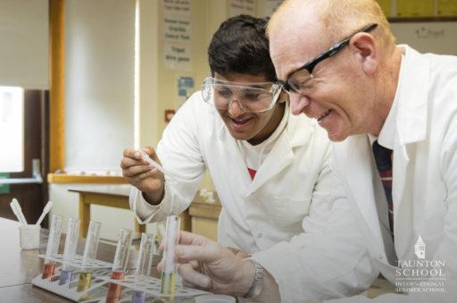 Séjour linguistique en Angleterre STEM Les Petits Atomes